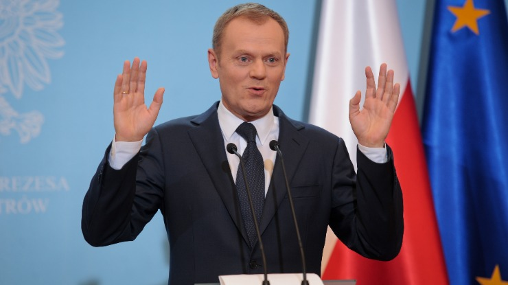 Tusk reeleito presidente do Conselho Europeu
