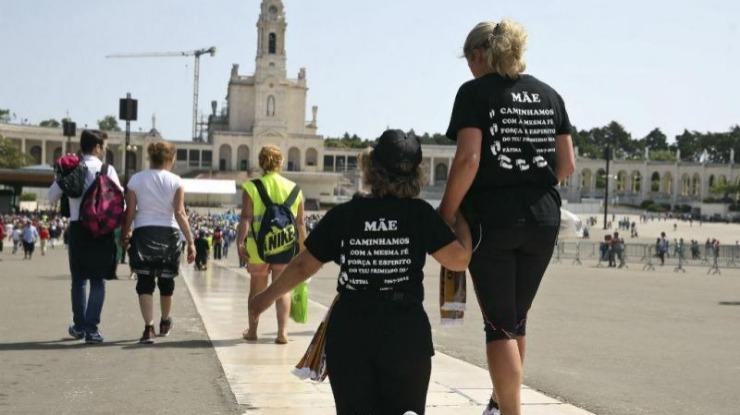Trinta mil peregrinos caminham para Fátima, GNR não regista incidentes