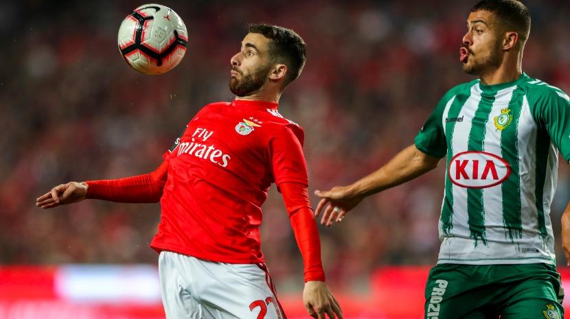 Benfica vence e segura liderança do campeonato