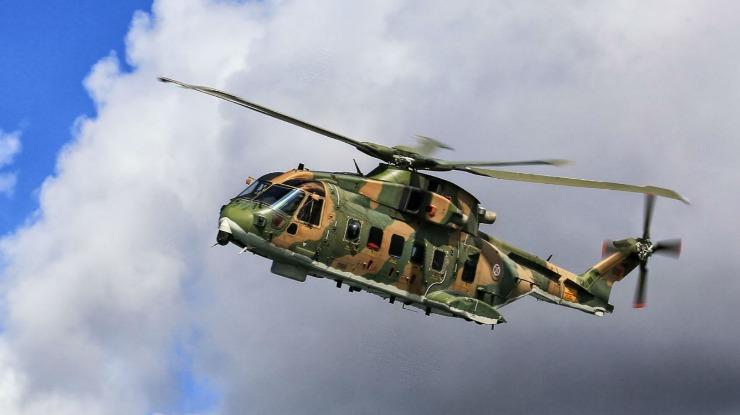 Helicóptero da Força Aérea resgata tripulante de navio ao largo da Madeira