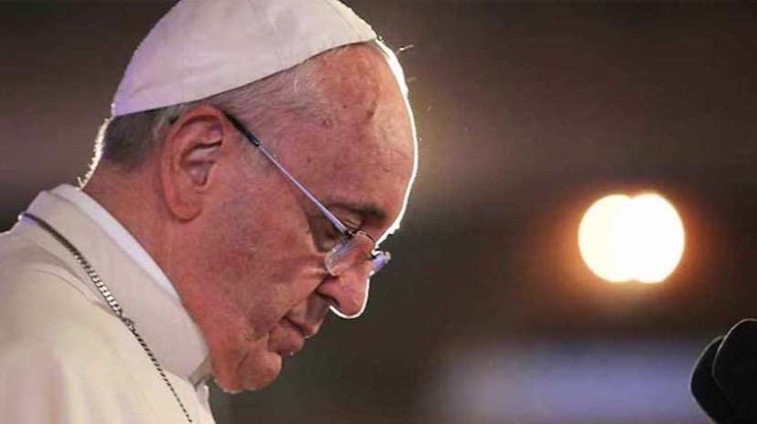 Notre-Dame: Papa reza pelos católicos e pela população parisiense ainda em choque