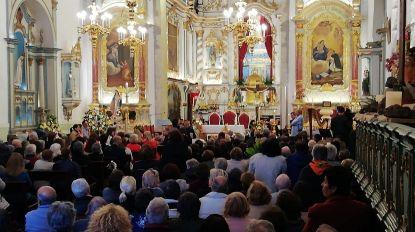 Acidente no Caniço: Igreja cheia de fiéis na homenagem às vítimas