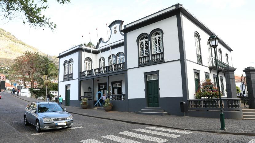 "PSD critica ""descontrolo total"" das contas do município de Machico"