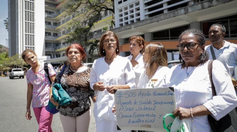 Maduro prefere dar armas a milicianos que equipar enfermeiros - Presidente Colégio Enfermagem