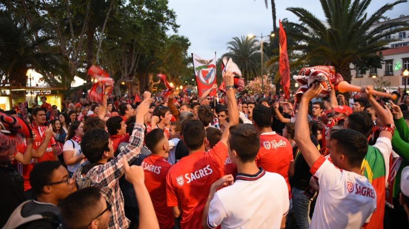 Vídeo: centenas festejam campeonato no Funchal