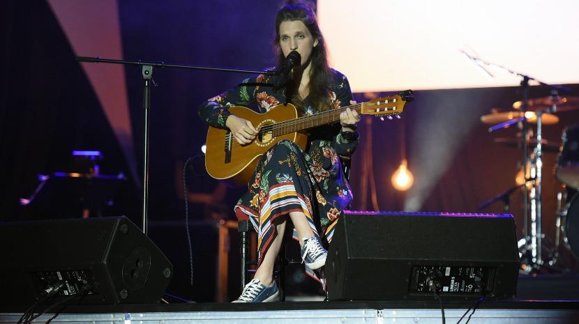 Luísa Sobral elogia festival que incentiva e valoriza a composição