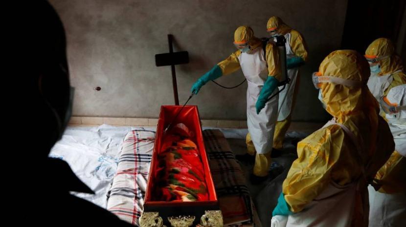 São precisos 3,46 milhões de euros para combater vírus do Ébola no Uganda