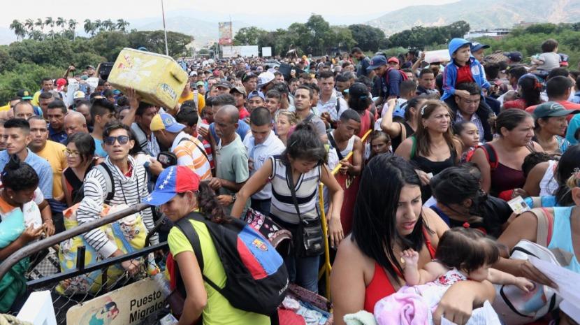 Mais de 5.000 venezuelanos entraram no Peru num único dia
