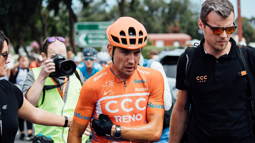 Tour: Neozelandês Patrick Bevin é o primeiro ciclista a desistir