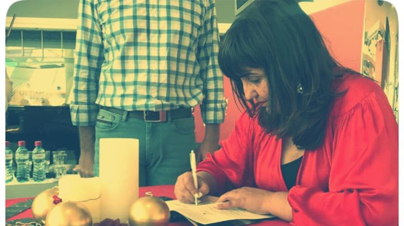 Lídia Maria lançou obra 'Poesia Mágica'