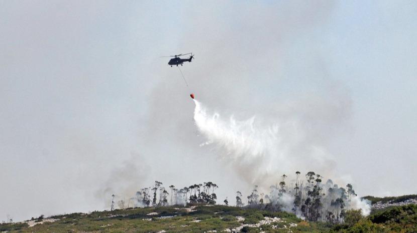 350 bombeiros e cem viaturas combatem dois fogos em Pombal