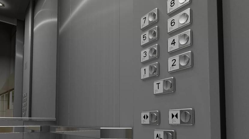 Três pessoas ficam presas em elevador no Caniço