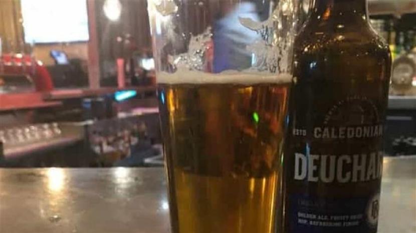Insólito: Homem paga 61 mil euros por uma cerveja num hotel
