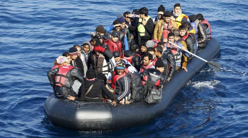 Autoridades britânicas intercetaram 86 migrantes no Canal da Mancha