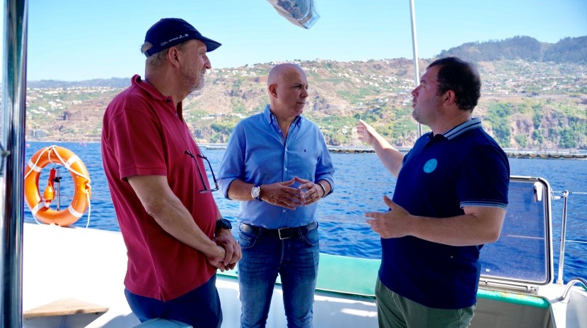 Aquacultura: Cafôfo visita jaulas da Calheta e quer conciliar economia, ambiente e interesse da população