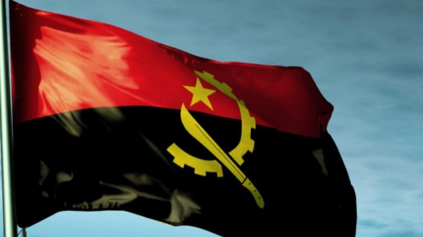 Angolanos que fizeram a ponte aérea para Portugal há 40 anos vão poder ter um BI do seu país