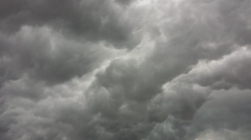 Céu muito nublado e aguaceiros esta sexta-feira na Região