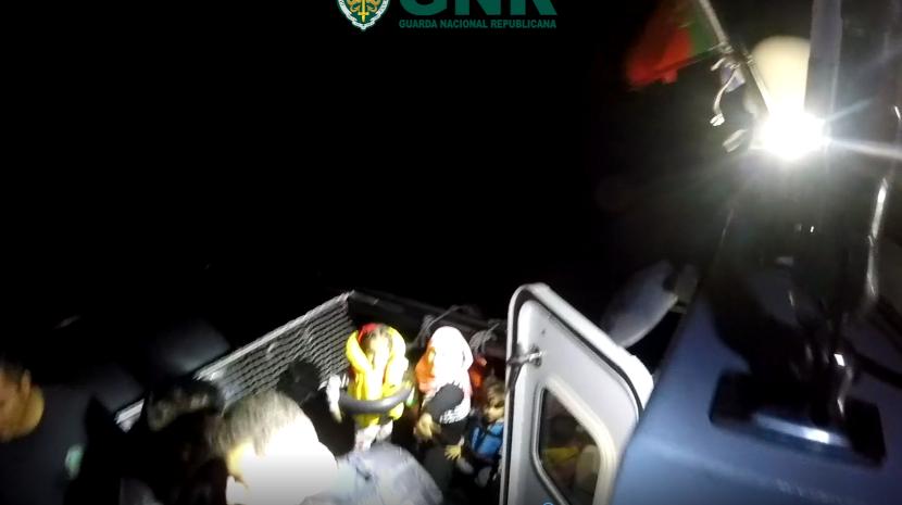 GNR resgata 31 migrantes no Mar Egeu (Com vídeo)