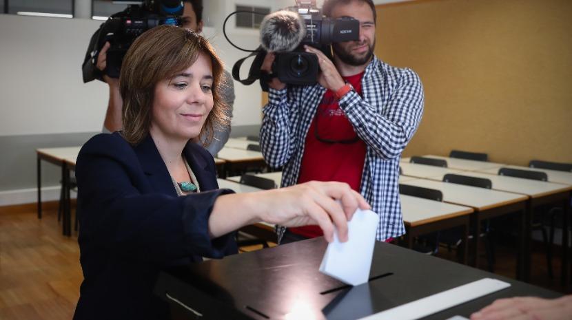 """Eleições: Democracia """"é tanto melhor quanto mais gente votar"""", diz Catarina Martins"""