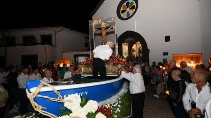 Milhares em Machico para honrar Senhor dos Milagres