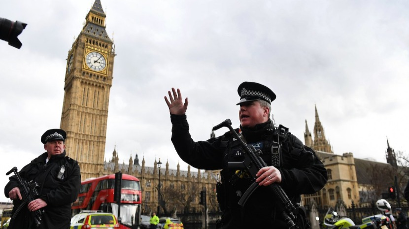 Condenado a prisão perpétua por ataque de agosto de 2018 junto ao Parlamento em Londres