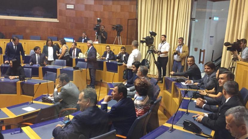 Eduardo Jesus só 'aquece' a cadeira parlamentar…