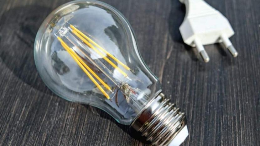 Preço da eletricidade desce 0,9% a partir de janeiro na Madeira