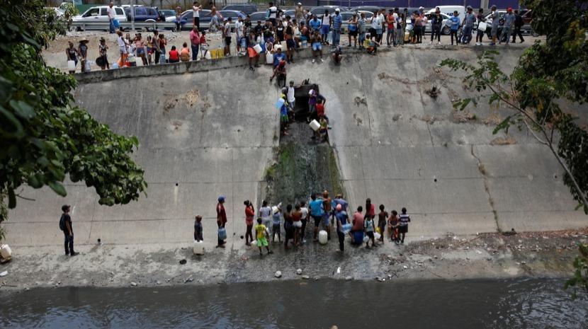 Sistema de distribuição de água colapsa na Venezuela e deixa Caracas e Miranda à sede