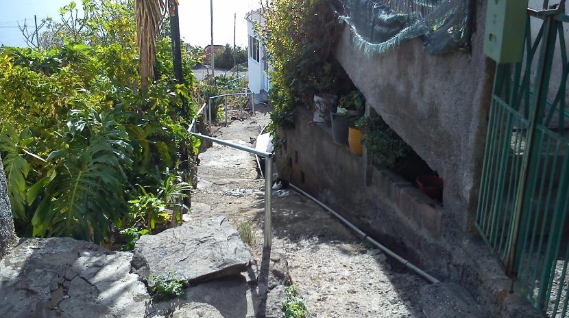 Junta de Freguesia do Caniço coloca varanda na Vereda do Mestre Neves Inventor do Brinquinho