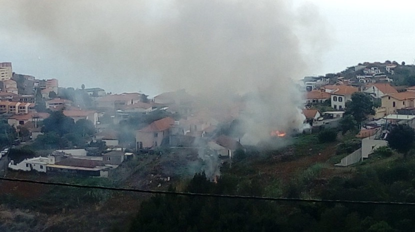 Incêndio na zona da Paróquia da Graça