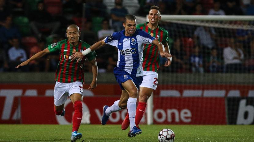 Marítimo vence FC Porto ao intervalo