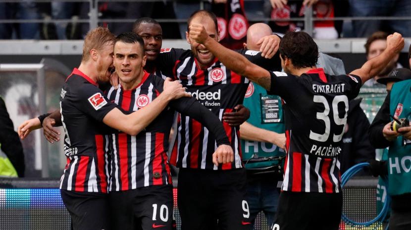 Eintracht goleia Bayern, Leipzig 'esmaga' Mainz