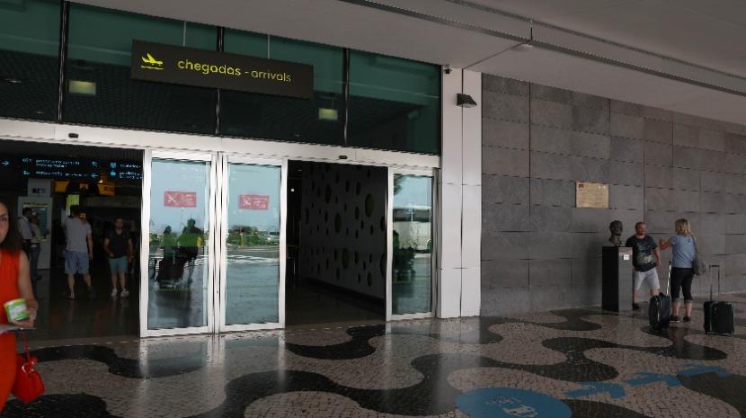 Português com três mandados de detenção detido no Aeroporto da Madeira