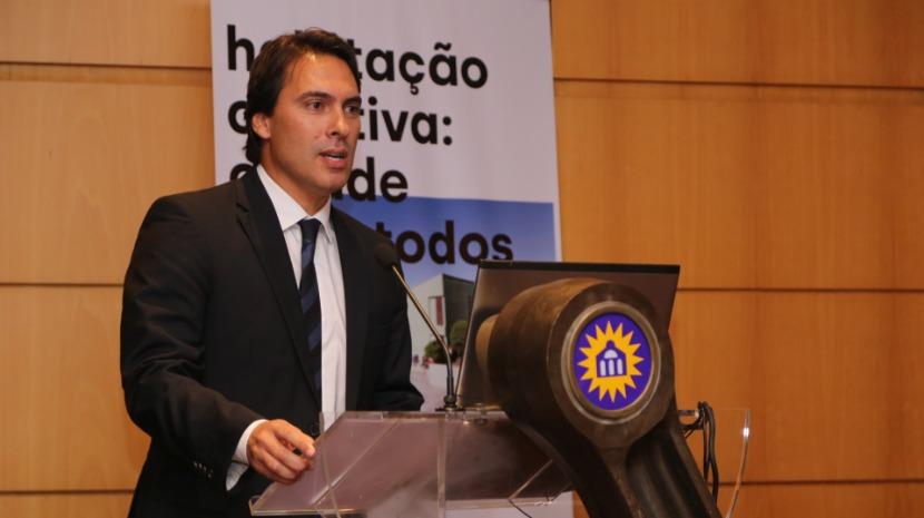 """Pedro Fino diz que a habitação """"continuará a ser uma prioridade"""" do Governo Regional"""