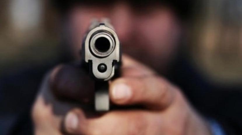 Homem tenta matar a tiro ex-mulher e sogra