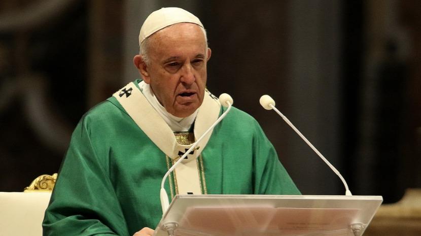 Papa questiona 'descarte' de pessoas em nome do lucro