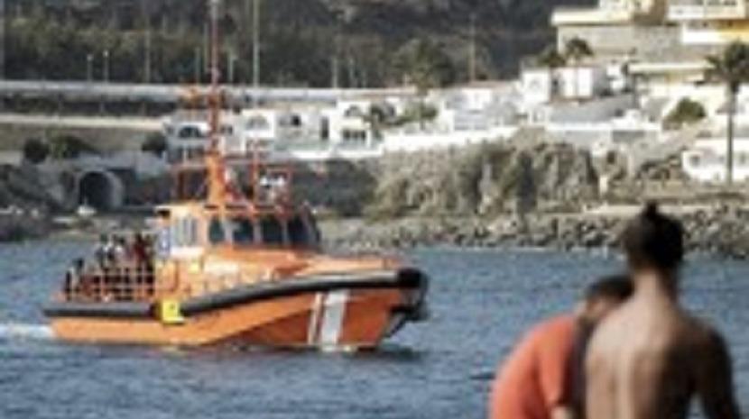 Embarcação com 46 ocupantes resgatada ao largo da Gran Canária