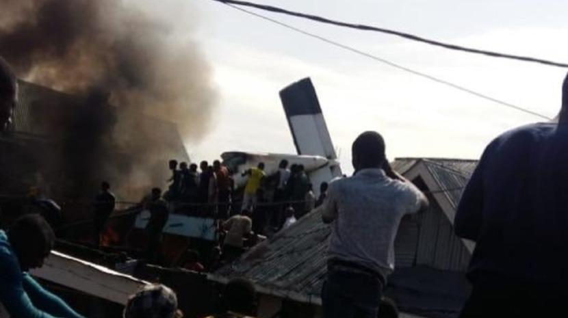 Queda de avião na RDCongo provoca pelo menos 23 mortos