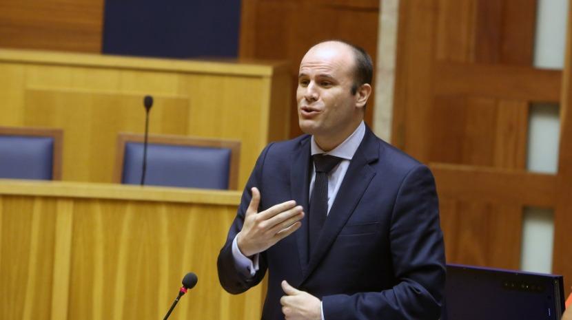 """PS/Madeira admite que Governo nacional também """"cometeu erros"""" no processo do novo hospital"""
