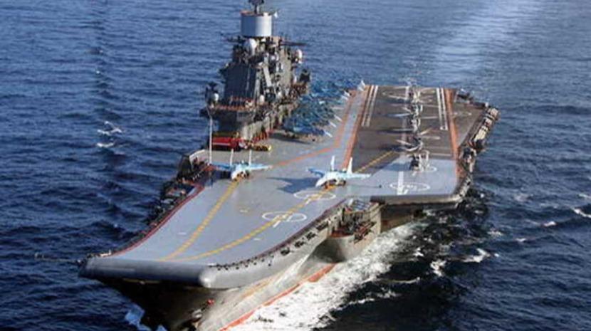 Incêndio em navio russo é extinto e autoridades confirmam uma morte