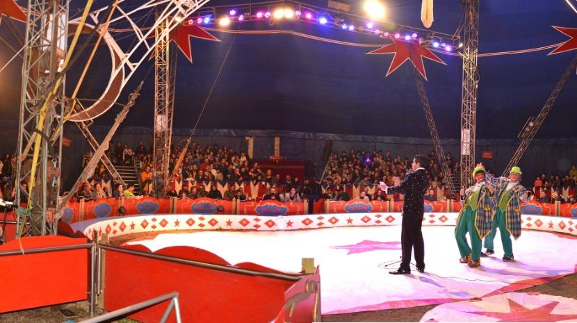 Circo Dallas já espalha magia debaixo da pista do Aeroporto