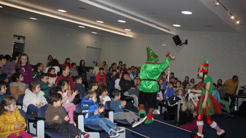 Escola Agrícola recebeu conto de Natal 'Flash de Flowtografia'
