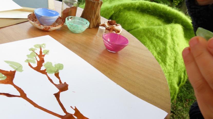 Atelier de pintura ao ar livre para crianças