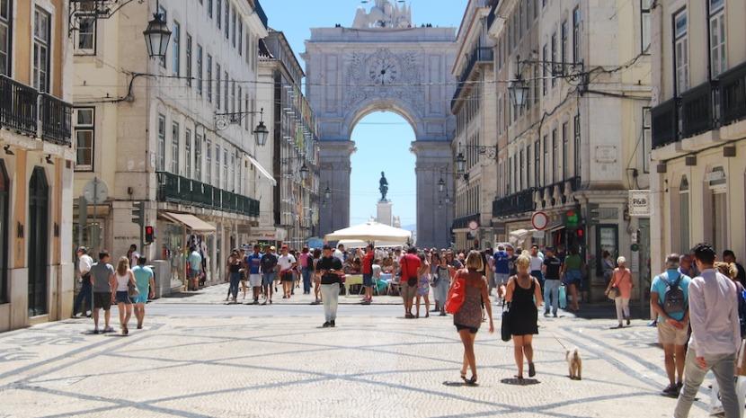 Maioria dos portugueses defende aprovação do orçamento