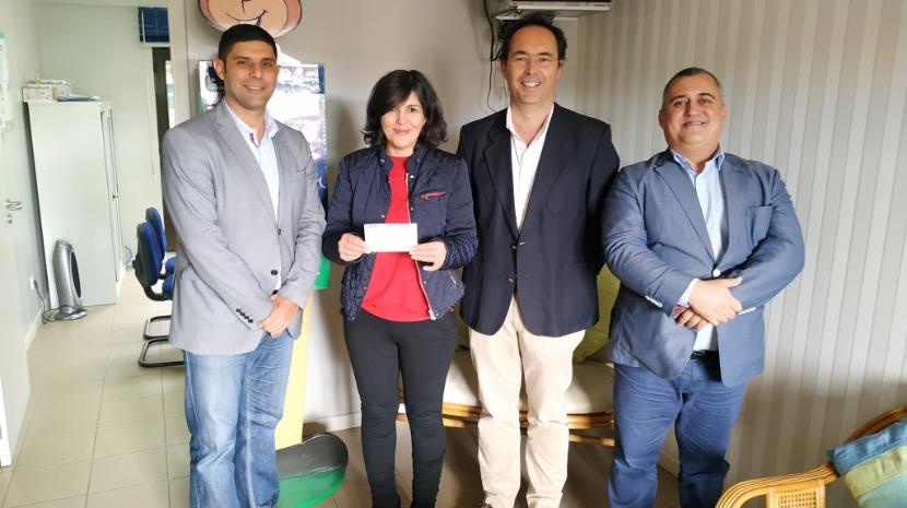 Frente MarFunchal entrega donativo do 'Primeiro Mergulho do Ano 2020' à Acreditar