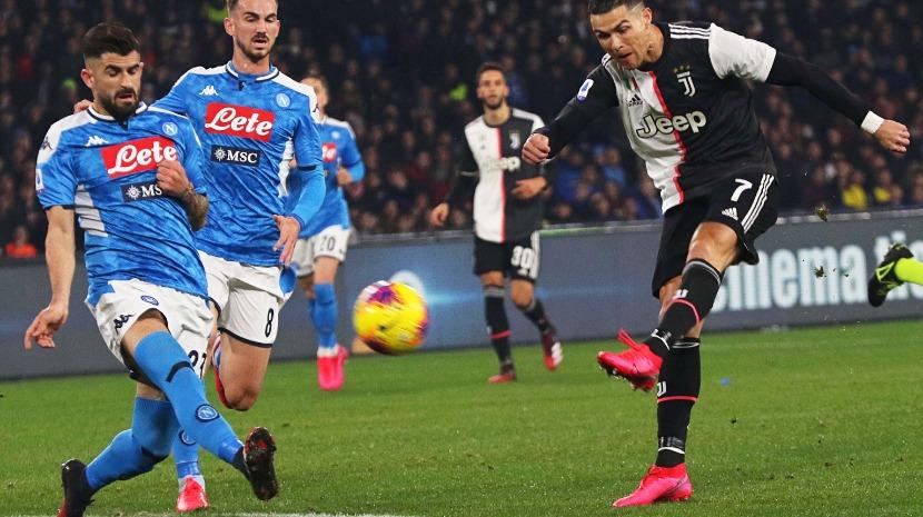 Juventus perde em Nápoles com golo de Ronaldo