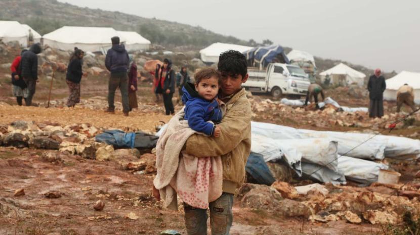 Pelo menos 30 crianças mortas pelo frio e más condições de vida em campos de deslocados na Síria