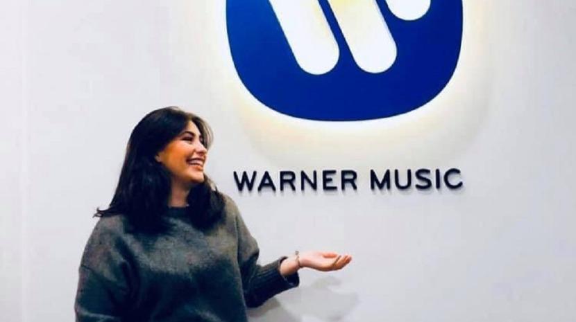 Elisa assina contrato discográfico com a Warner Music a poucos dias do Festival da Canção