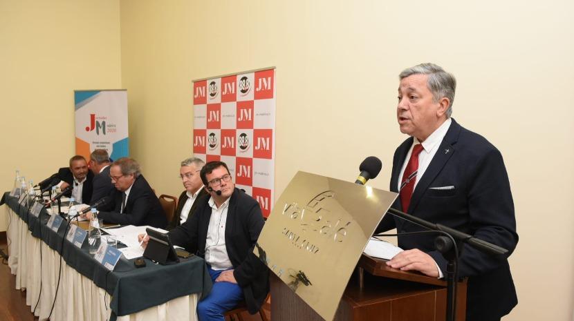 Jornadas Madeira: INE tem de mudar a sua atitude, diz Veiga França