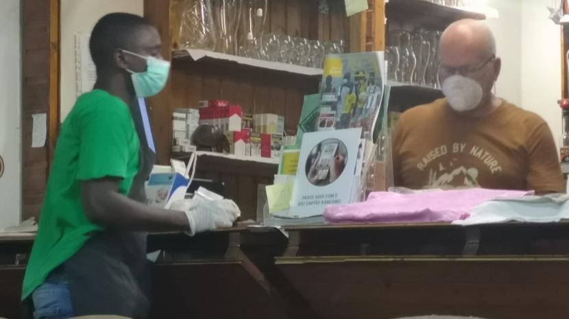 Casal de madeirenses está a tentar sair da Guiné-Bissau há cinco dias